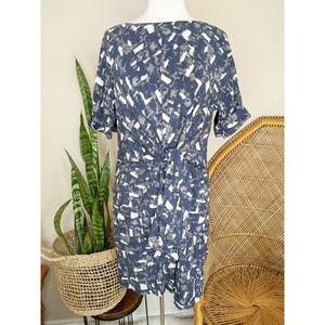 DKNY Silk Front Tie Dress Size Medium